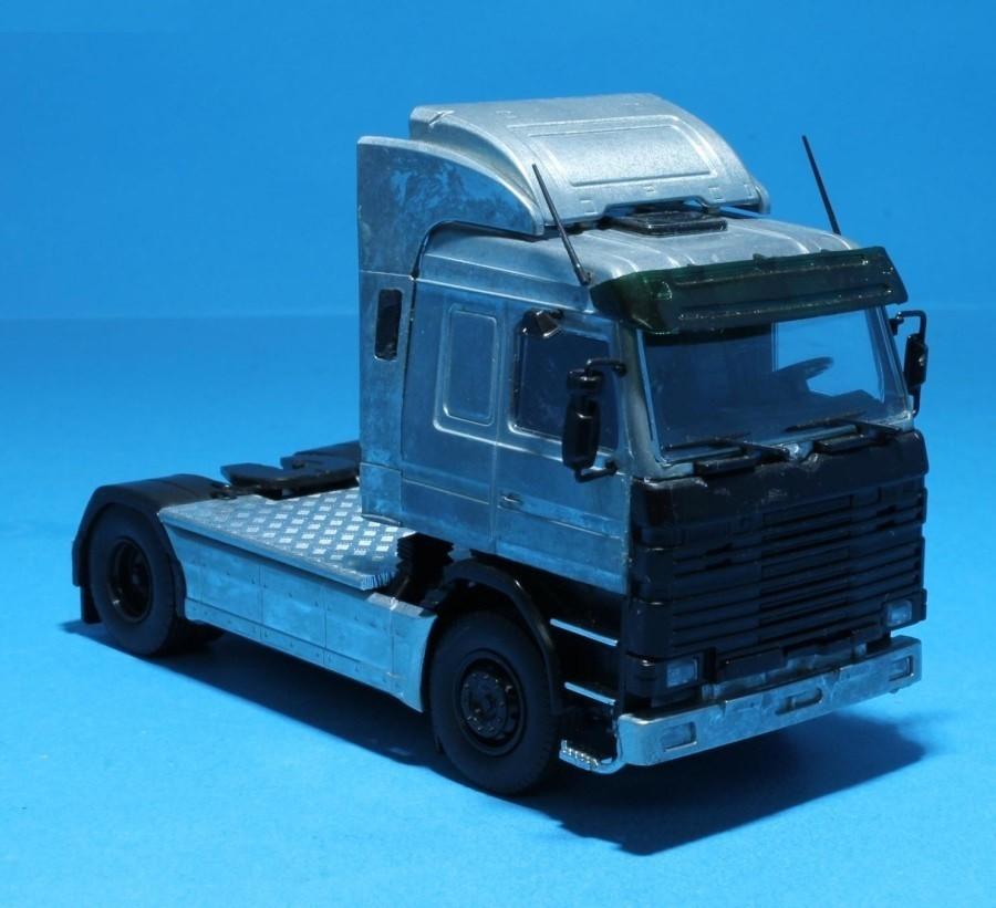 Kit do Caminhão Scania Série 3 Topline 4×2 na escala 1:50 da Tekno.